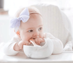 Silicone feeding bowl for babies